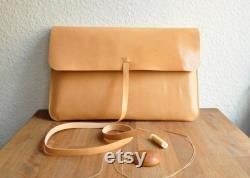 Customized Simple Leather Laptop Case Laptop Bag Carry Case Macbook Macbook Air Laptop Sleeve in Natural Tanned Leather