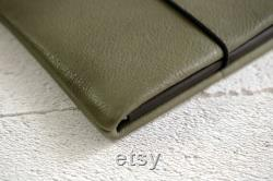 Laptop Case made of khaki green, vegetable tanned leather fits your macbook custom made in Germany green leatherbag for notebooks