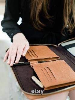 Leather laptop sleeve 13 inch Leather laptop case 14 inch Personalized laptop folio MacBook Pro case Leather folio with pockets