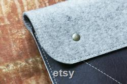 MacBook sleeve genuine Leather and wool felt made in USA 010080
